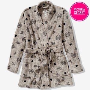 Nwt Victoria secret pink grey logo robes XS